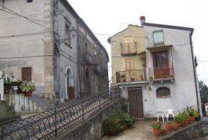Un'immagine di Carpanzano, 281 anime alle pendici della Sila. E' il comune più antico della provincia di Cosenza e sarà anche il più piccolo fra quelli che torneranno al voto per il rinnovo del consiglio comunale.