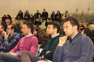 Un gruppo di giovani a Reggio Calabria