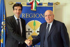 Il ministro delle Politiche Agricole Alimentari e Forestali Maurizio Martina con il presidente della Regione Mario Oliverio