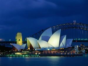 Vista notturna della città di Sidney