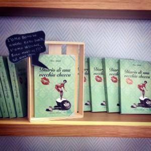 Il libro di Nino Spirlì in esposizione al Malavenda café