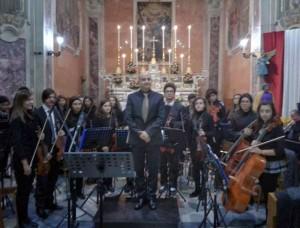 L'orchestra sinfonica giovanile della Calabria diretta dal maestro Ferruccio Messinese.